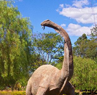 泰坦巨龍類(Titanosauria)