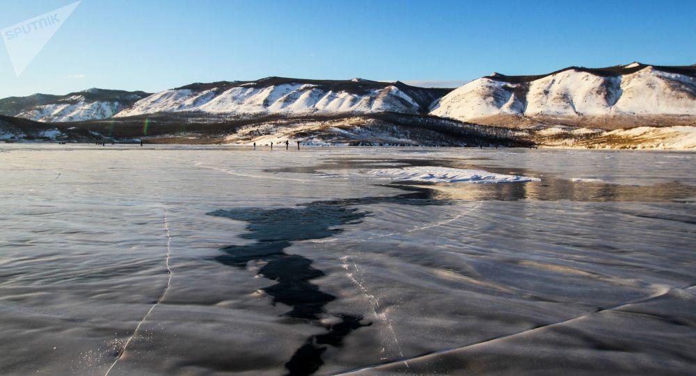 俄伊尔库茨克州计划对贝加尔湖旅游实施限流