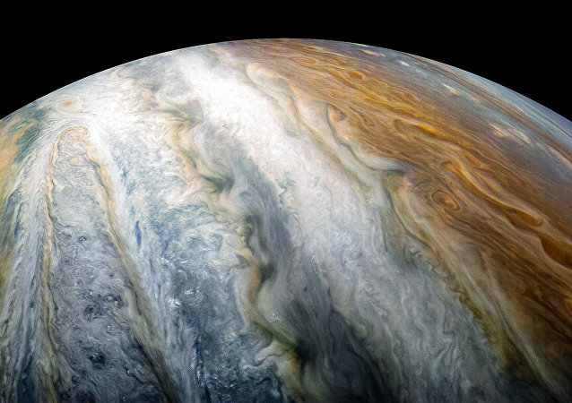 """美国""""Juno""""探测器拍摄下环绕在木星南极的木星云"""