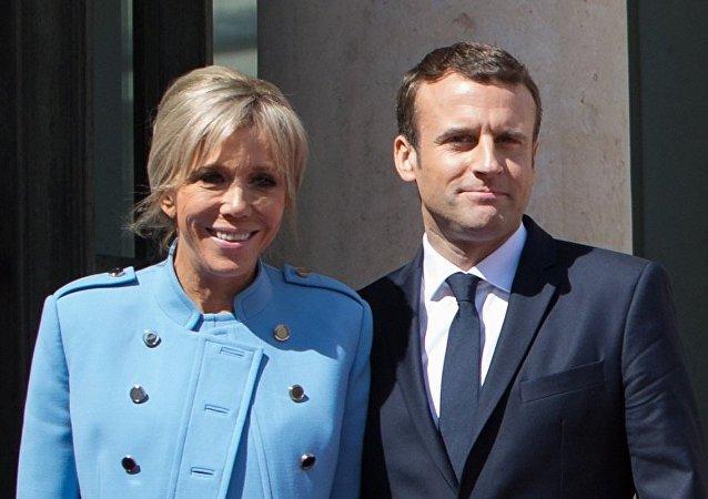 馬克龍和其妻子布麗吉特