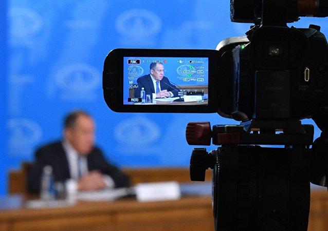 俄外长拉夫罗夫与朝鲜外相李勇浩的会谈在莫斯科开始