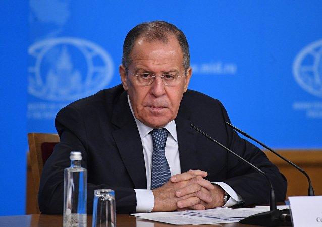 俄外長:美國把庫爾德人分離出敘利亞的行動無助於調解局勢