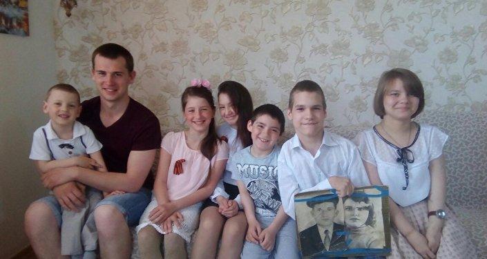 库兹涅佐夫家中的小孩子们