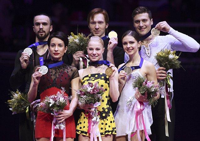 俄罗斯花滑选手包揽花滑欧锦赛双人滑奖牌