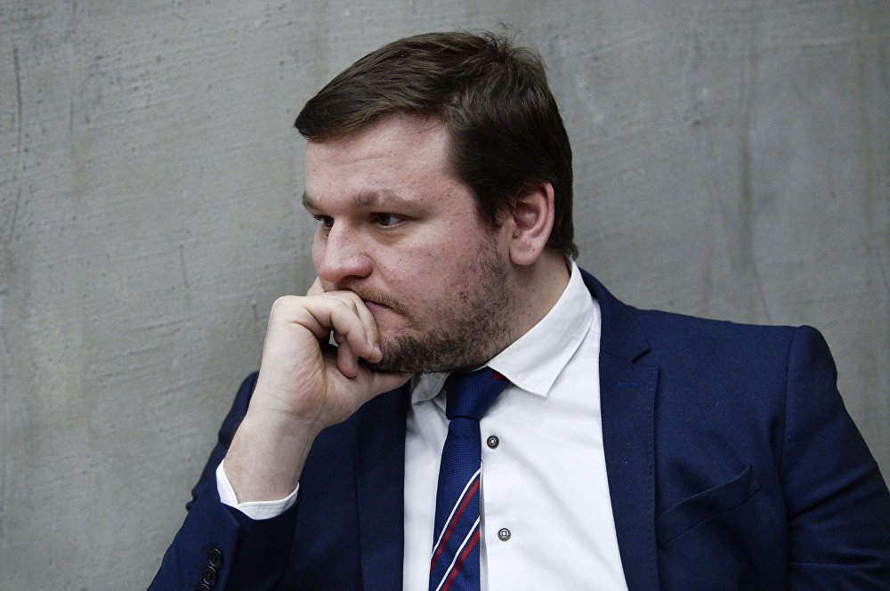 """著名博主、""""需要帮助""""基金会主席米基亚·阿列申科夫斯基"""
