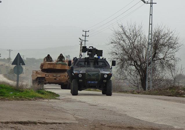 土耳其国防部长:土美军人为在叙利亚曼比季联合巡逻做准备