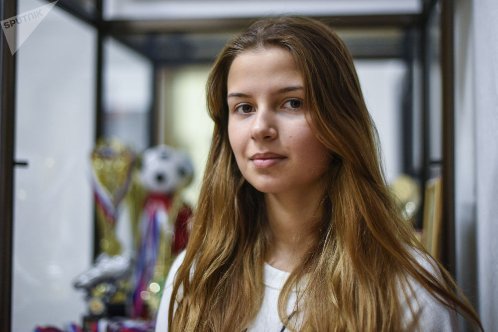 俄罗斯残奥会游泳队的女大学生 – 斯维特兰娜·尼基弗洛娃