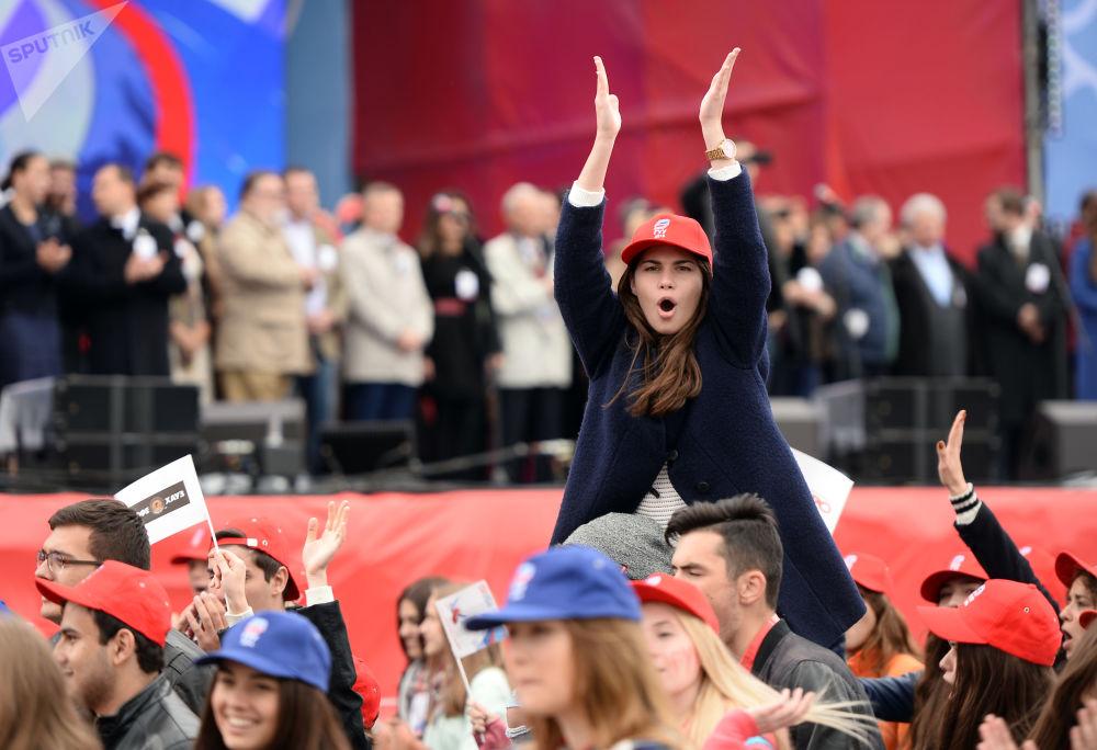 大学生们在俄罗斯大学生游行中