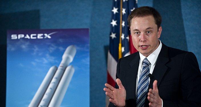 马斯克:猎鹰重型运载火箭首次发射定于2月6日