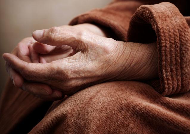 一名老人不相信自己已经98岁高龄