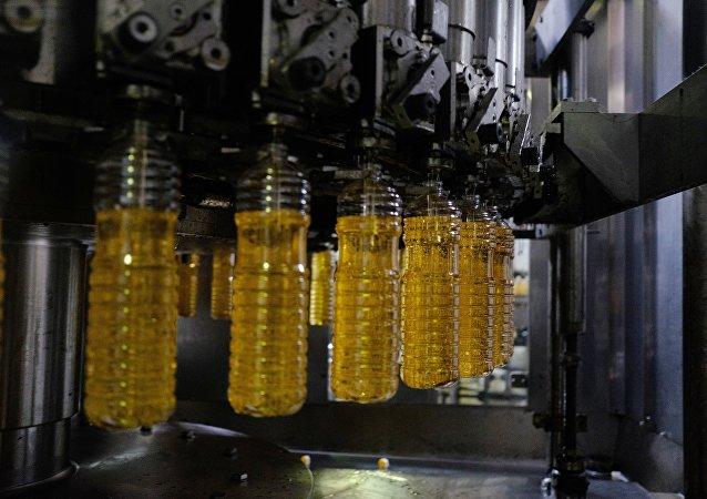 上半年滿洲里口岸進口俄羅斯食用植物油約3000噸