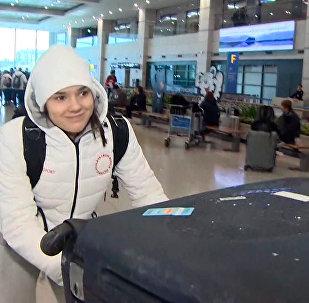 韓國:俄羅斯滑雪運動員在平昌冬奧會開幕前抵達仁川機場