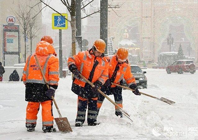 莫斯科政府因强降雪允许学生可以不去上课