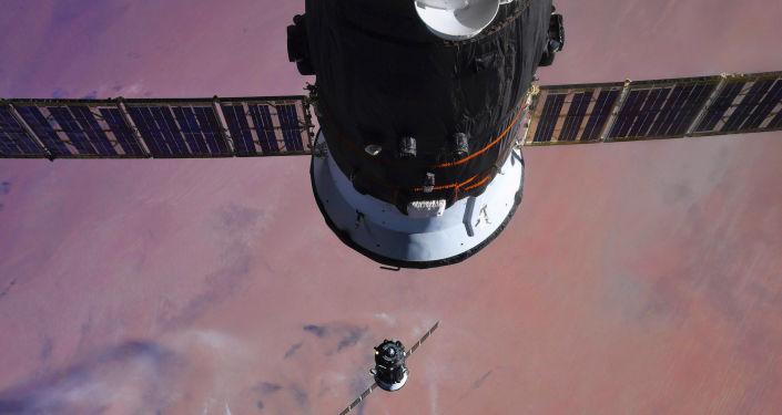 Причаливание и стыковка корабля Союз МС-07 к МКС