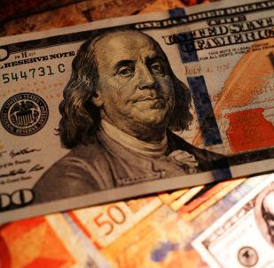 俄羅斯考慮與軍事合作夥伴交易時拒用美元結算