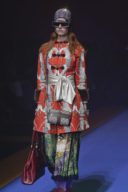 在现代服装中中国元素受欢迎,也应归功于国际政治秩序。