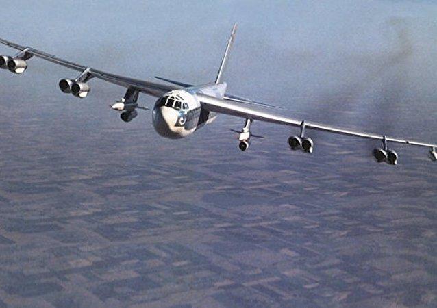 美拟为轰炸机研发能突破俄防空系统的新导弹