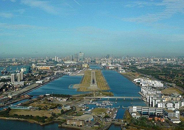 """""""伦敦城市""""机场"""