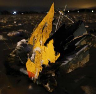 俄侦委称安-148客机坠机后才发生爆炸