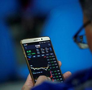 中國主要股指在中美貿易惡化背景下小幅走低