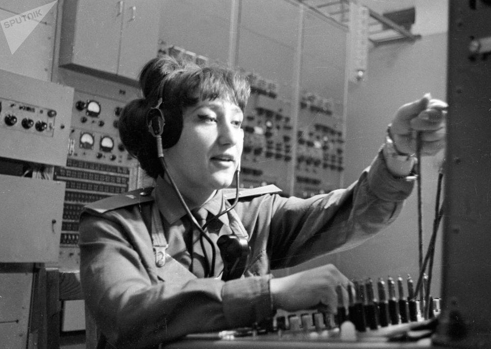 """短波广播常被称为""""危机广播"""",因为当没电、没网、没电话的时候,这是最有效的信息传输方式。"""