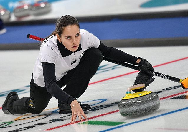 外國粉絲稱佈雷茲加洛娃是史上最美冰壺運動員