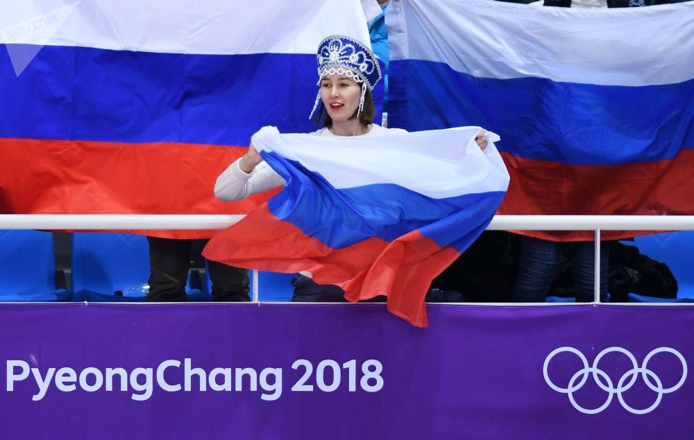 冬奧會上的俄羅斯美女啦啦隊員