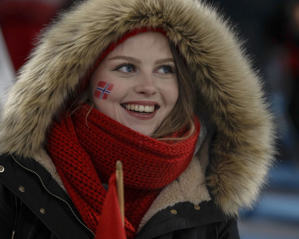 冬奧會上的挪威美女啦啦隊員