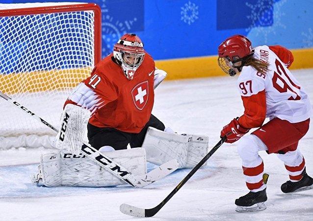 俄羅斯女子冰球國家隊擊敗瑞士隊殺入半決賽