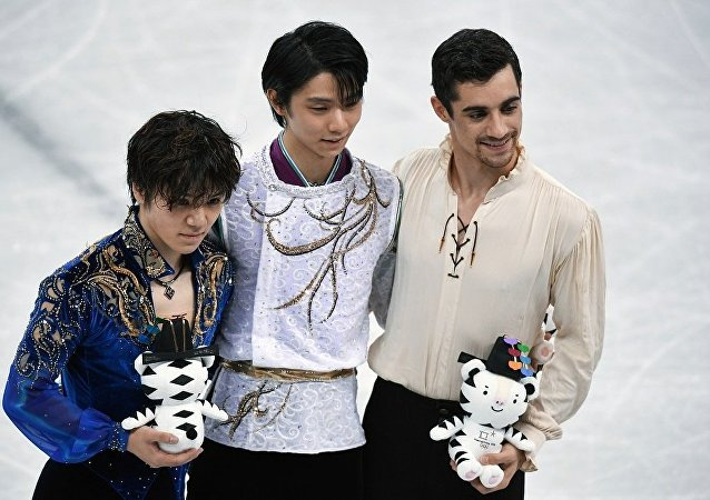 日本花滑選手羽生結弦 冬奧會史上第1000枚金牌獲得者(在中心)