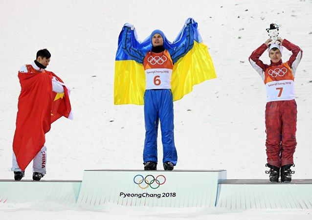 平昌冬奧會自由式滑雪男子空中技巧 俄中選手分別獲得銅牌和銀牌