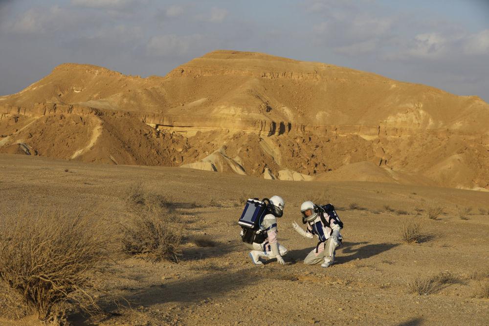 火星站部署在以色列南部馬赫捷什-拉蒙坑的底部。