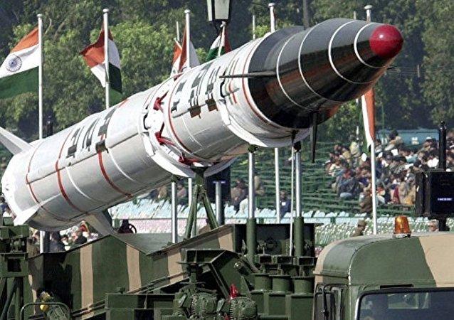 """印度成功试射""""烈火-2""""弹道导弹"""