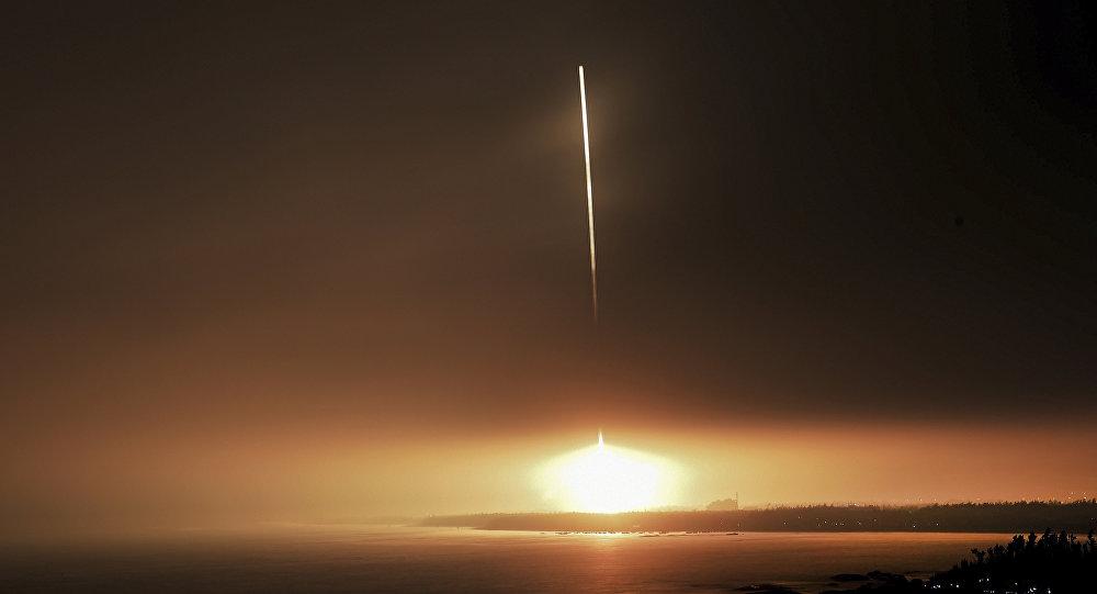 中國首枚自主研發民營商業火箭「重慶兩江之星」號順利升空