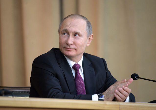 独立候选人弗拉基米尔·普京