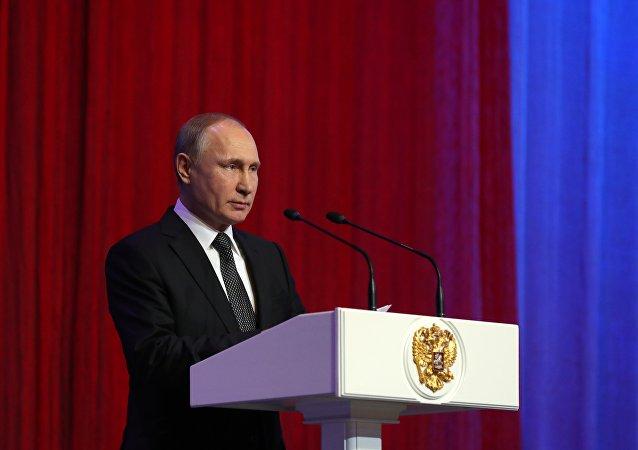 普京:俄军人在叙利亚展现出卓越素养和无畏精神