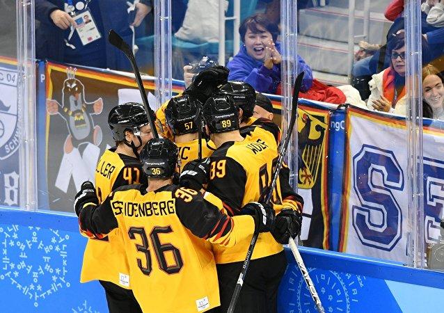 德國冰球隊擊敗加拿大與俄羅斯會師決賽