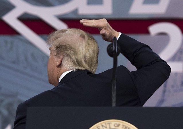 特朗普自認盡力隱藏禿頂