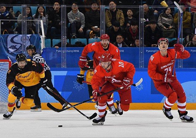 第23届冬奥会男子冰球赛俄罗斯队和德国队决赛