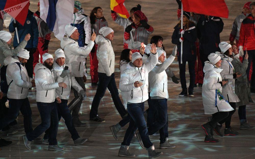俄罗斯运动员在冬奥会闭幕式上