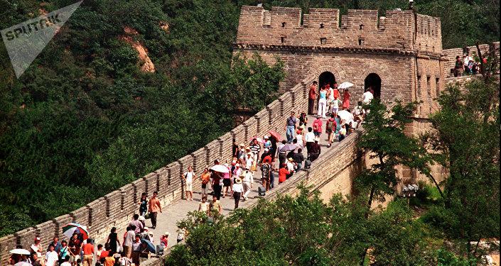 中国公安部:外国人2018年上半年入境中国2311万人次