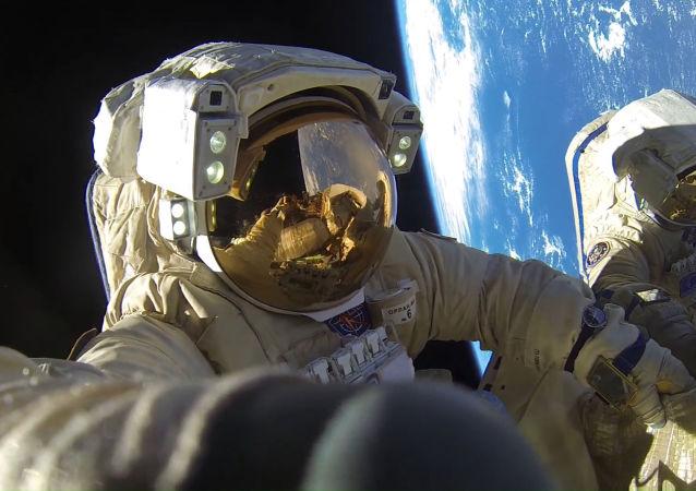 俄媒:中俄航天员共同拯救地球,暂时仅在影片中