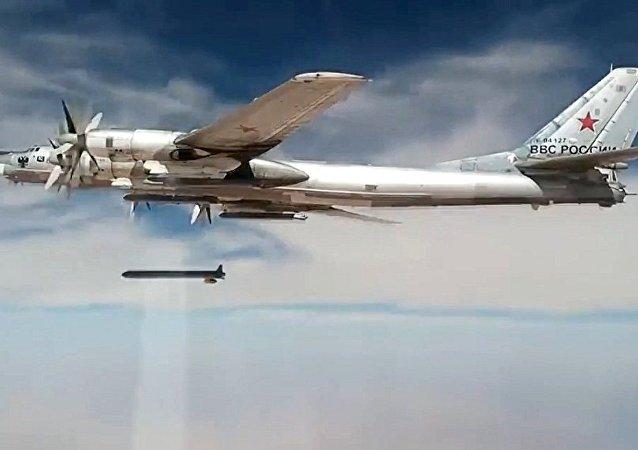 中国专家:俄罗斯发展新型武器或将给美国发展军备提供借口