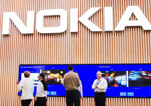 媒体:诺基亚智能手机将个人数据传送中国