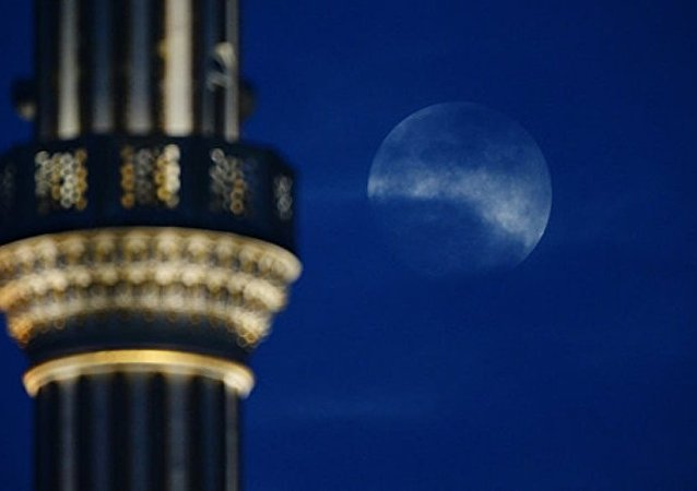 俄天文學家:今年3月天空將出現「藍月亮」