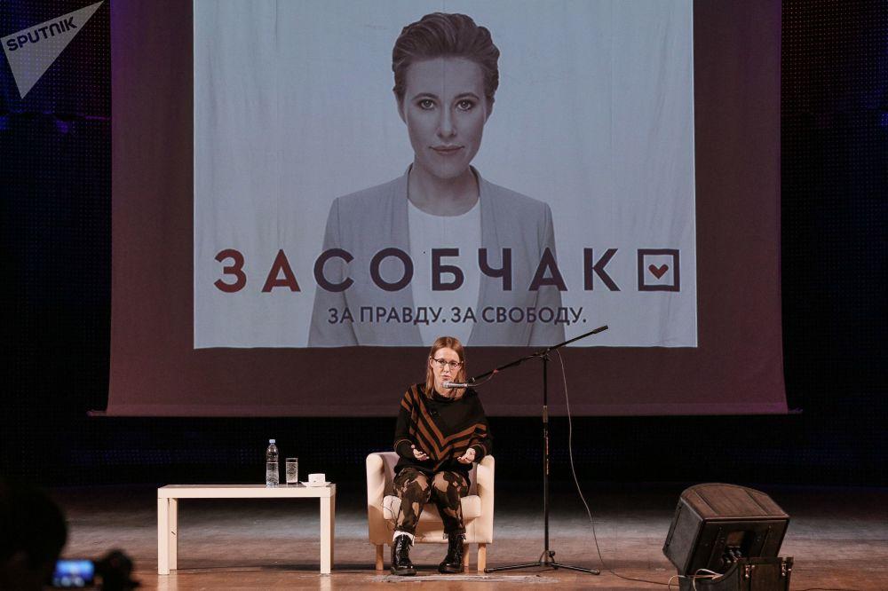 索布恰克認為,所有大型國家集團都應該私有化,但應該受到反壟斷限制。