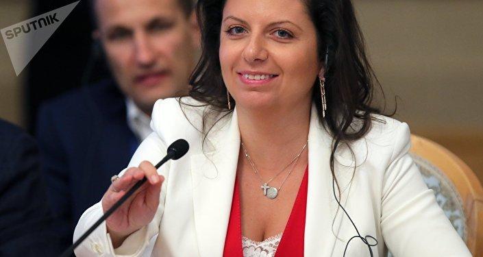 西蒙尼揚就美國國務院指責俄羅斯記者發表評論