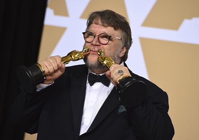 《水形物语》获得奥斯卡最佳影片奖