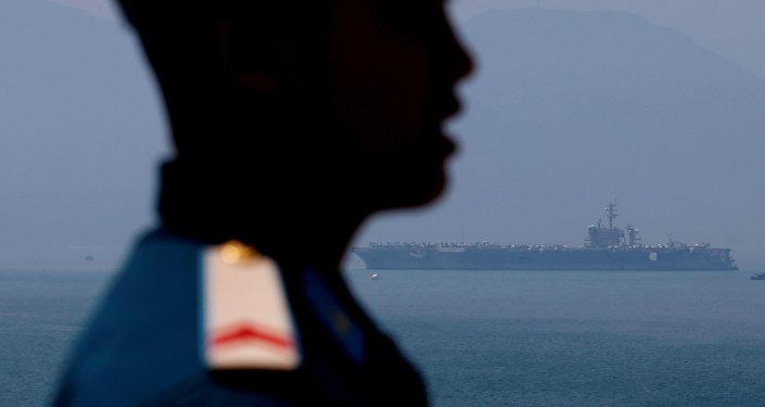 美國航母40年來首次抵達越南