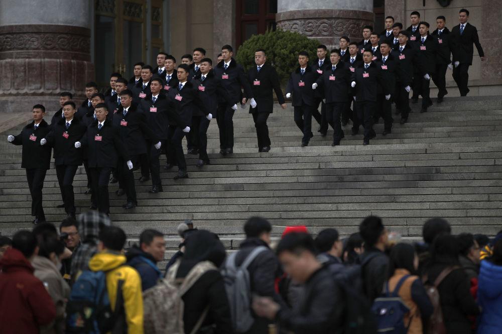 十三届全国人大一次会议开幕前的警卫